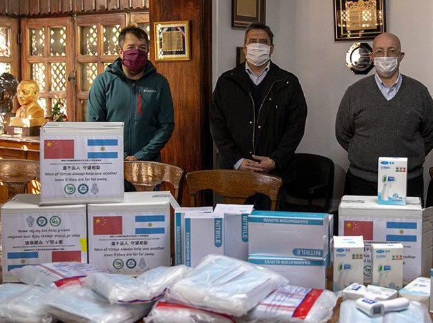 Recibimos insumos médicos de China para nuestros Hospitales Universitarios
