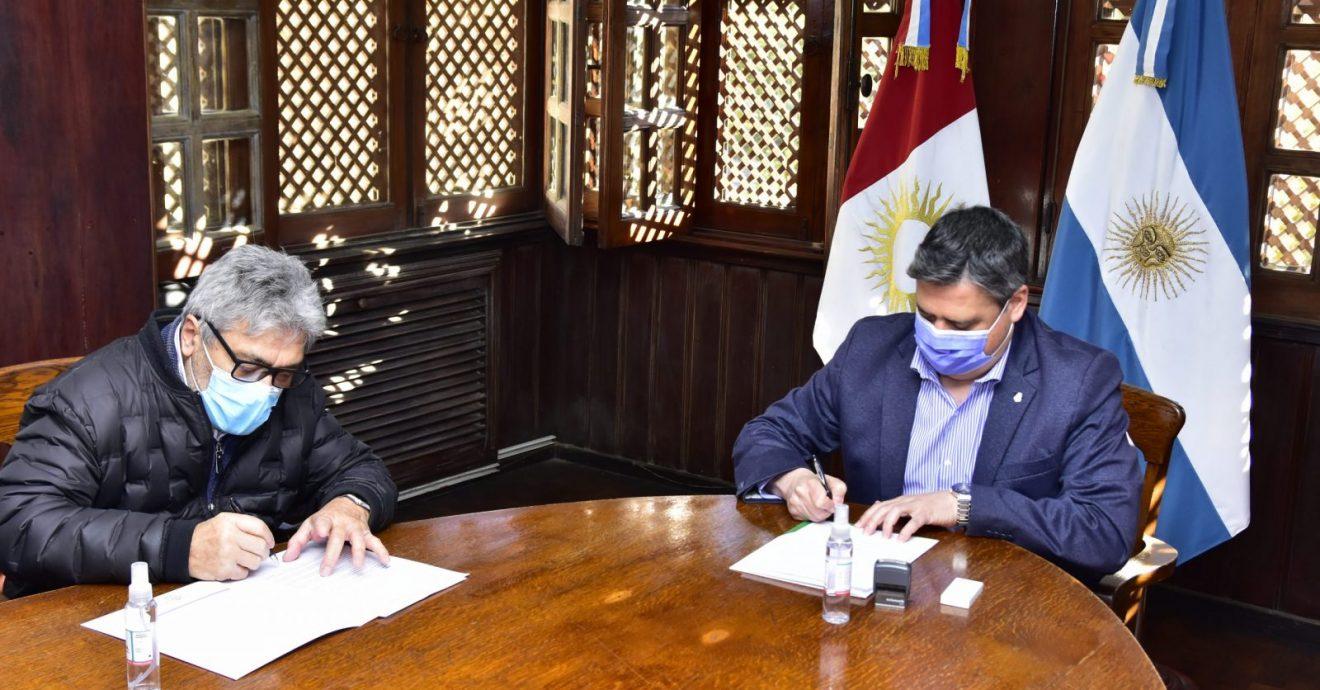 La FCM y el SEP firmaron un convenio de cooperación científica y académica