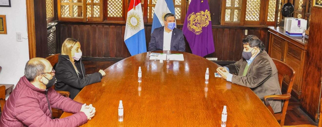 La FCM, la Casa de Catamarca y la Casa de Jujuy en la firma de convenios