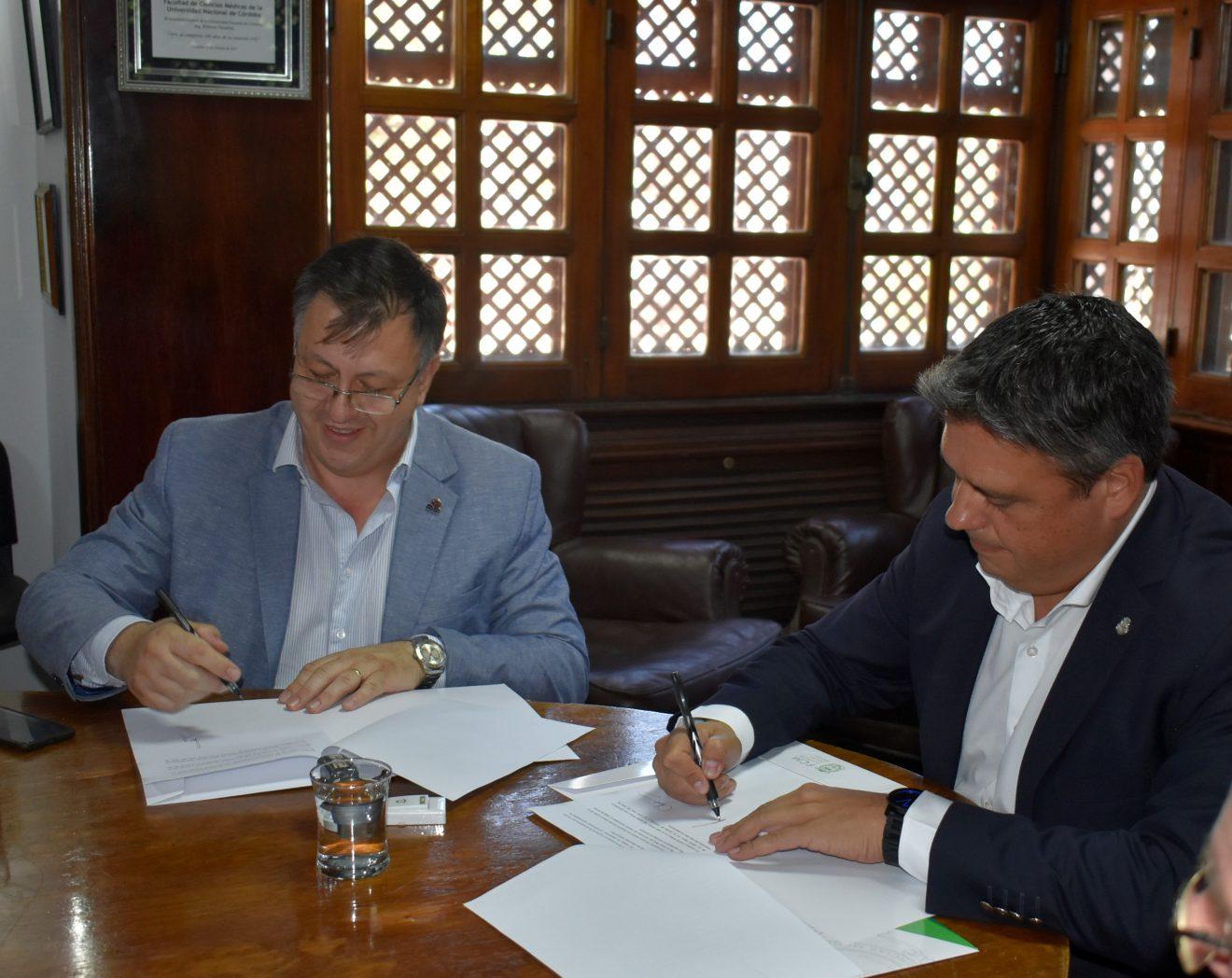 La FCM firma Convenio con la Caja de Previsión Social para Profesionales de la Salud de Córdoba