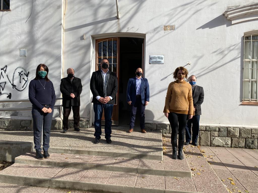 El Ministro de Ciencia y Tecnología Pablo De Chiara visitó el Instituto de Virología