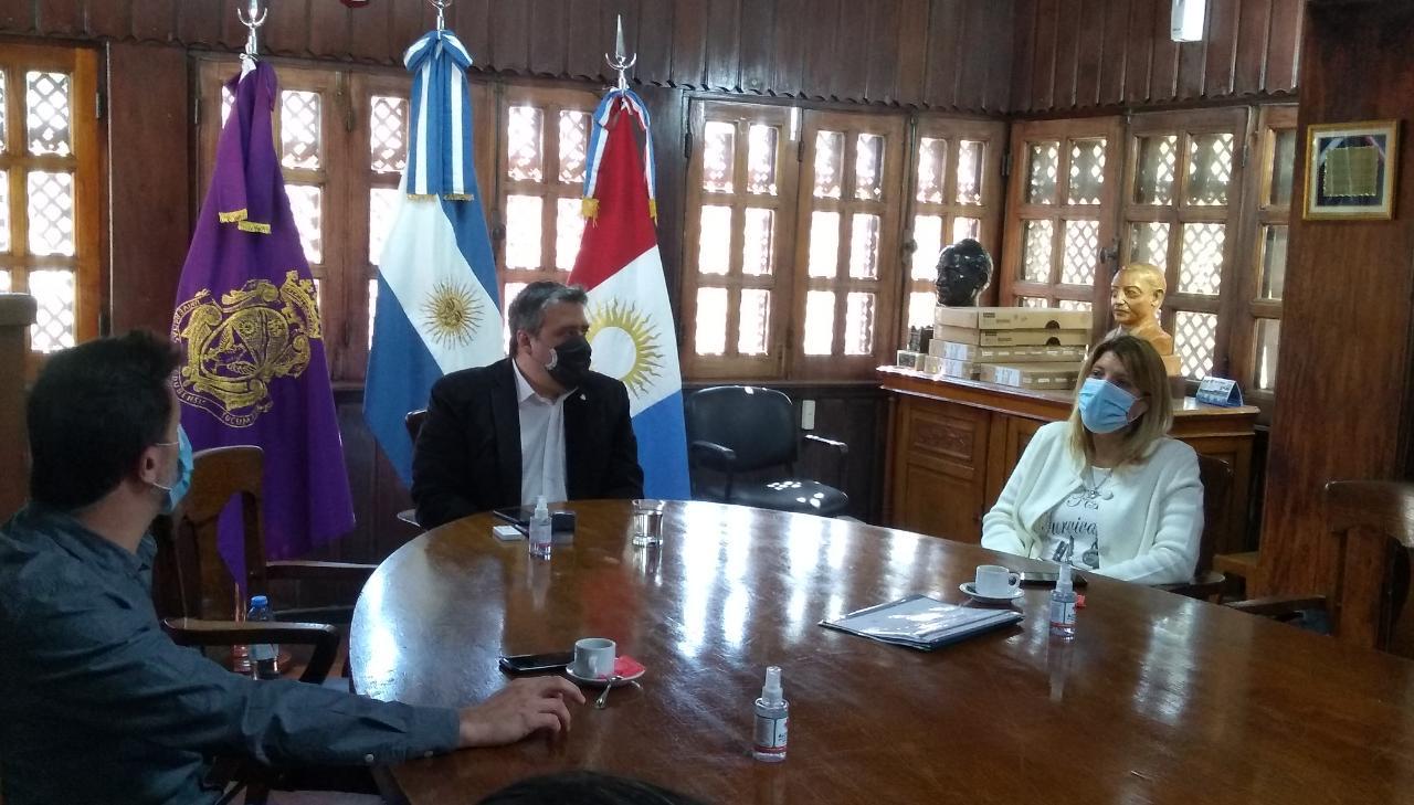 Firma de convenio entre la FCM y la Subsecretaria de Atención Primaria de la Salud