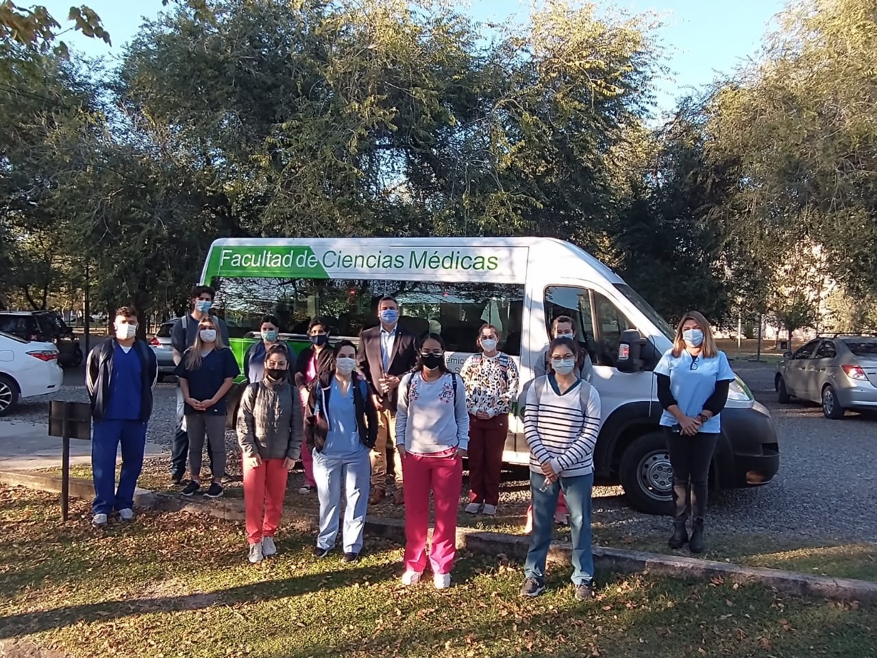 Estudiantes participan de la actividad Ambiente Saludable y APS - Programa de 100 días
