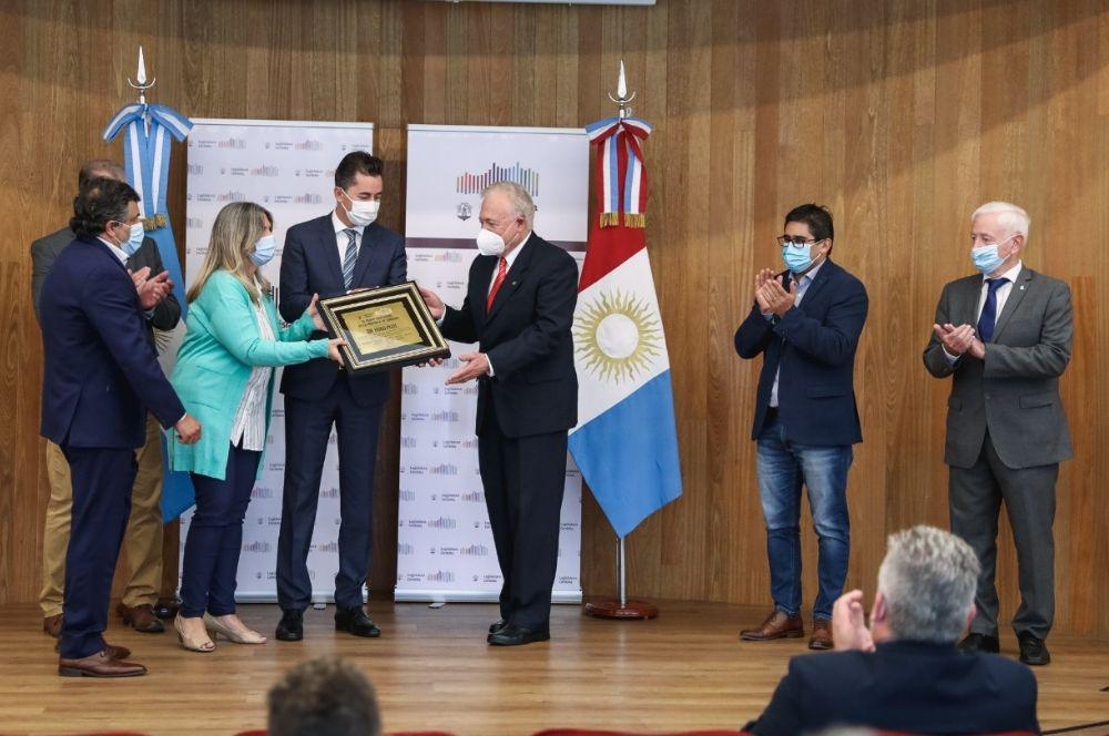 La Legislatura reconoció la trayectoria del Prof. Dr. Hugo Pizzi